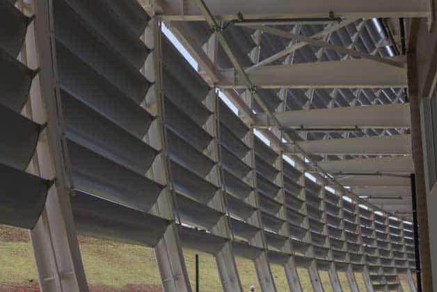 Foto da estrutura dos brises Sulmetais